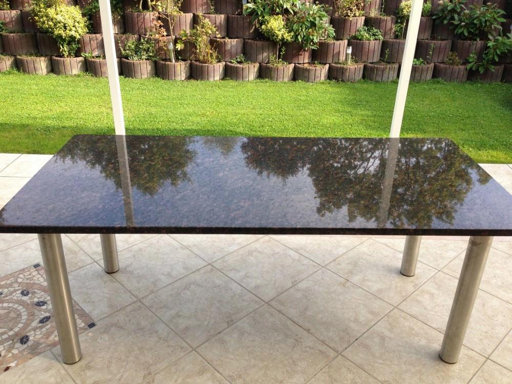 Gartentischplatte / Esstischplatte aus Granit - Fliesenzentrum Gronau